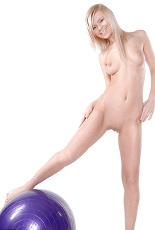 Tiny blonde cutie Reese posing totally naked!