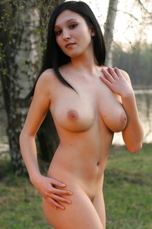 Zlata with nice natural boobs and hot body nude