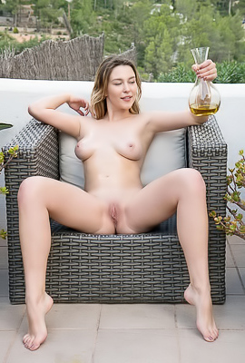 Dominika Jule - She loves to wake up, go outside, and get naked