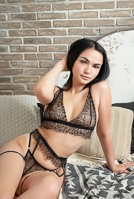 Mileva With Shaved Pussy And Gorgeous Ass